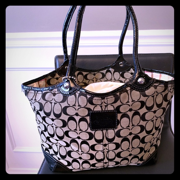 Coach Handbags - Coach black patent leather shoulder handbag